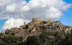 1. Panorama di Santa Severina